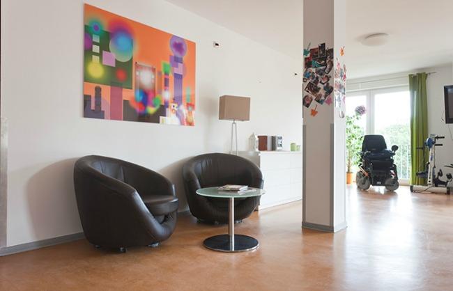 Wohlfühlatmosphäre auch für Gäste und Angehörige in der modernen Intensivpflege WG.